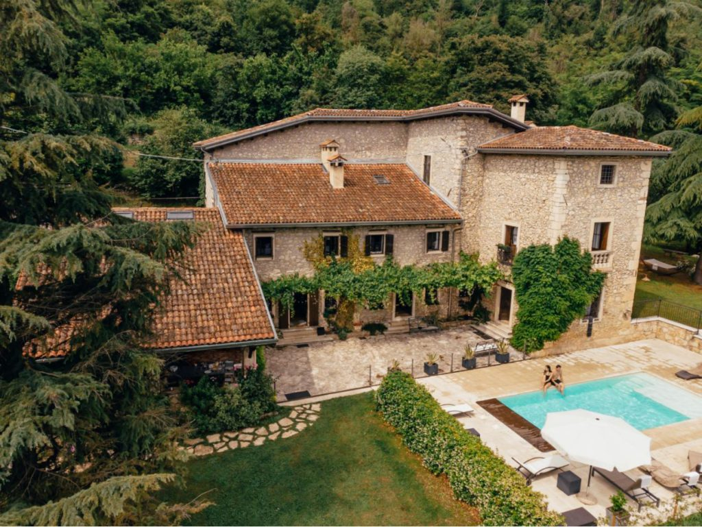 A villa in the Tuscan countryside