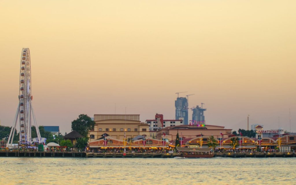 Asiatique waterfront Bangkok tourist attractions