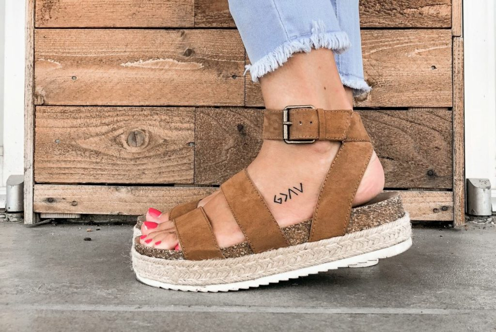 More stylish options of sandals for women