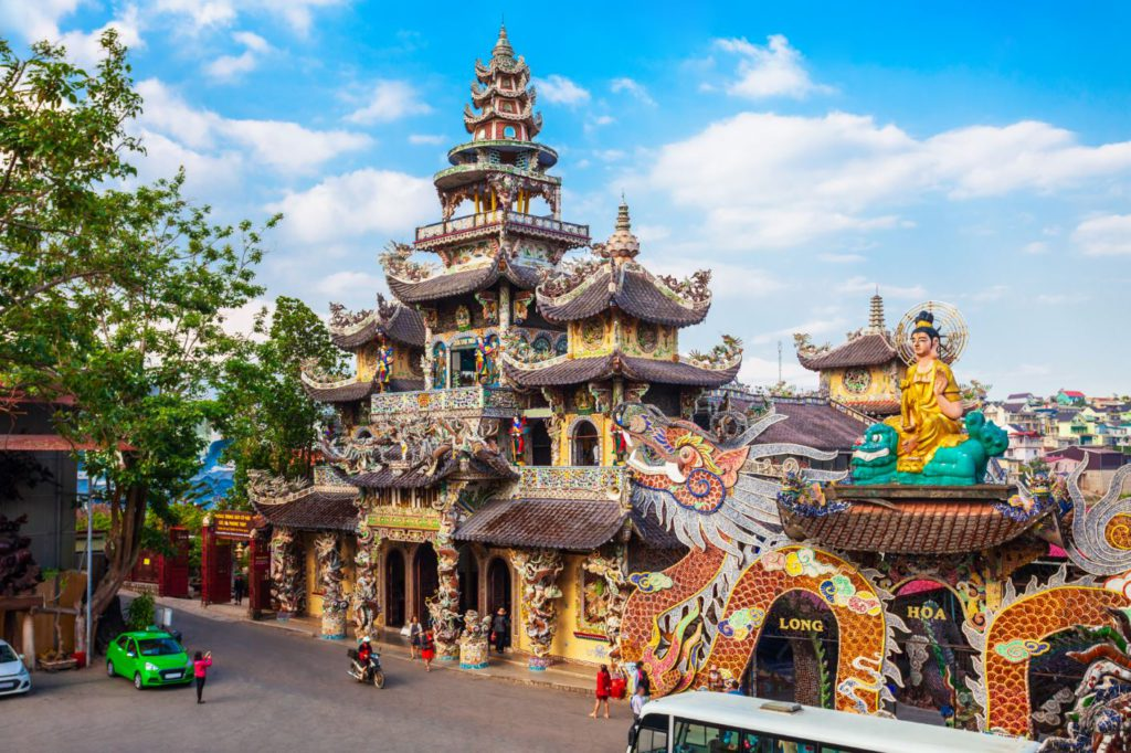 Linh Phuoc Temple, Places to see in Da Lat