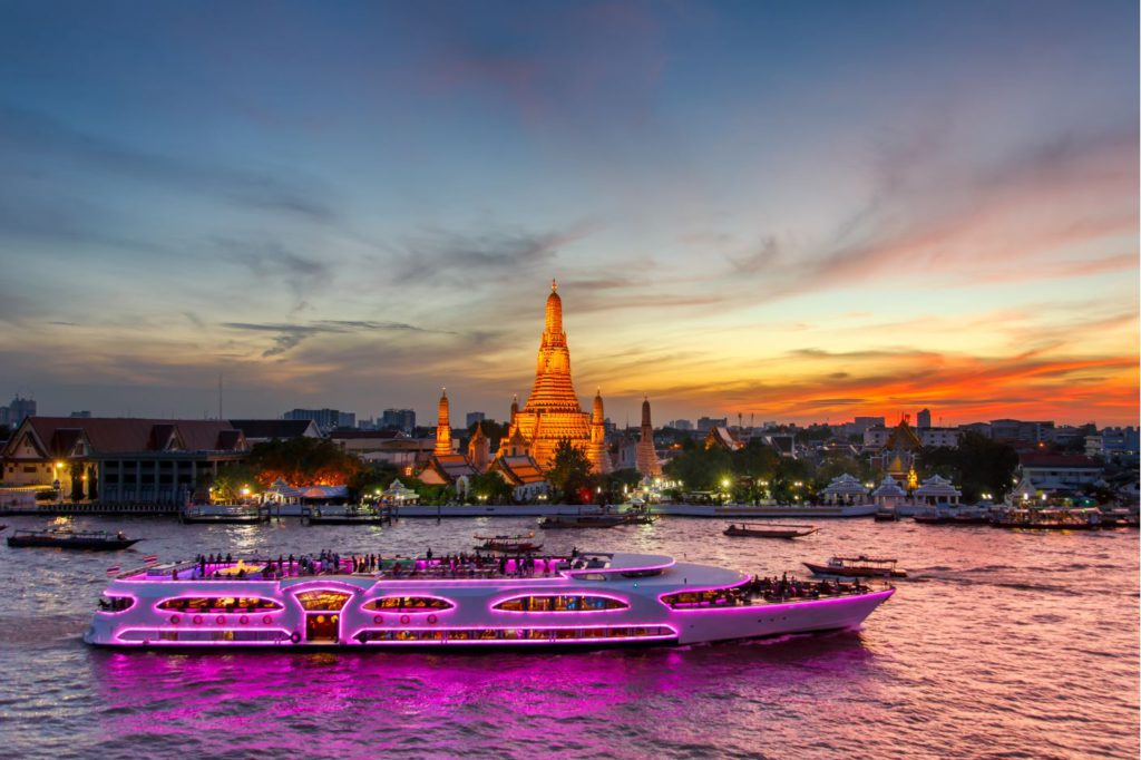 Cruise on Chao Phraya River