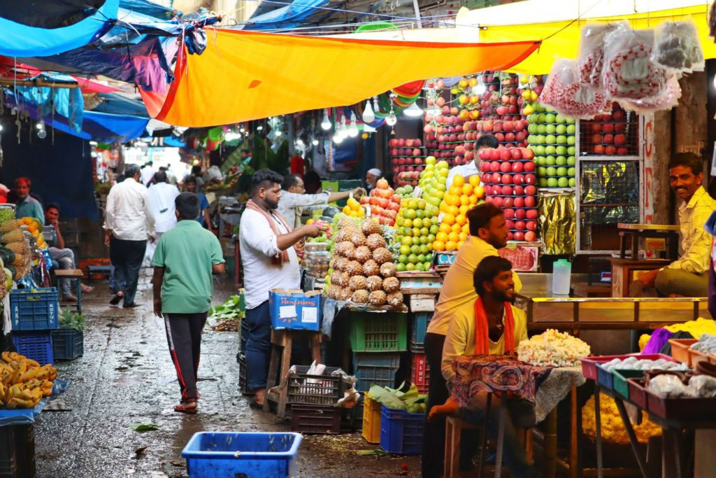 Fruit shops at Devaraja Market, day trip to Mysore