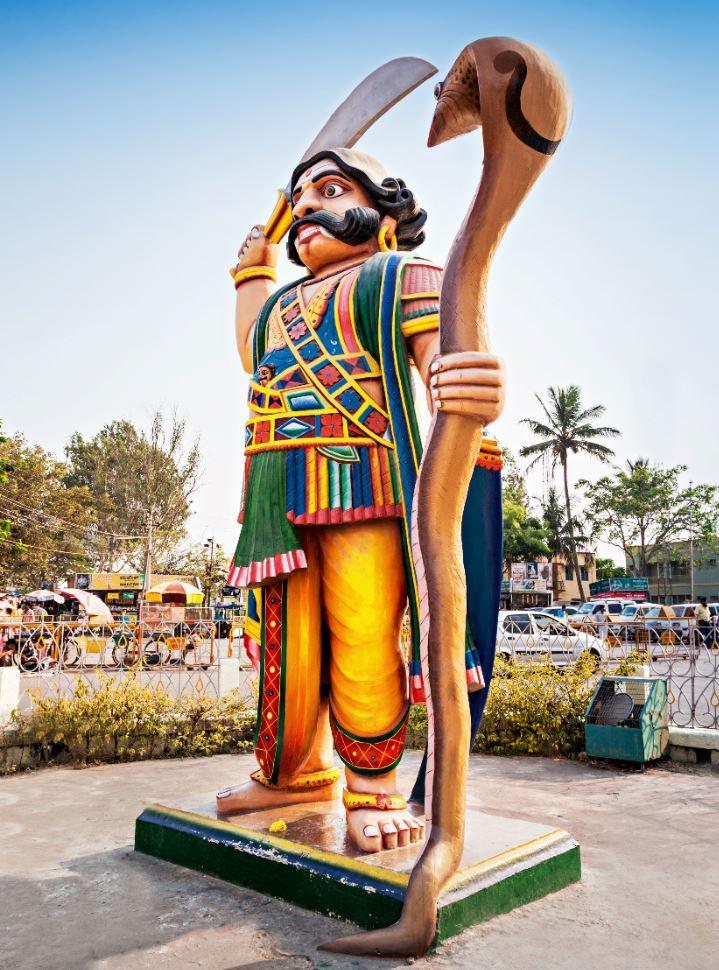 Mahishasura's statue at Chamundeshwari's Temple, day trip to Mysore