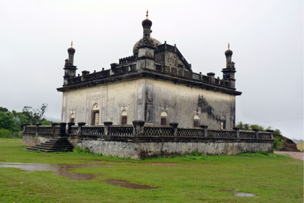 Raja's Tomb, Madikeri