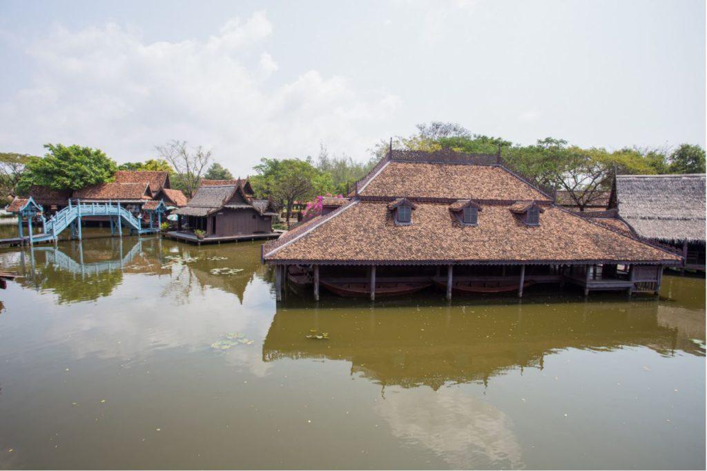 ตลาดน้ำที่เมืองโบราณ