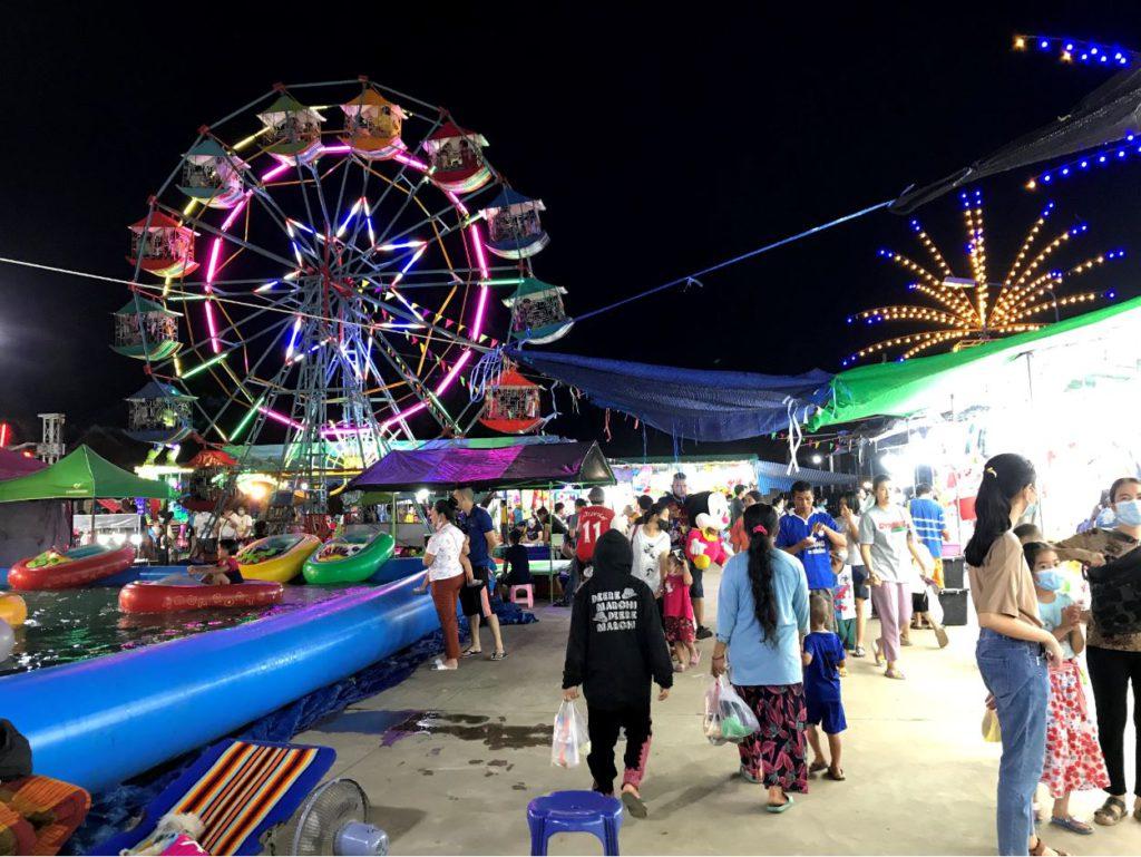 Fair during Loi Krathong in Nan