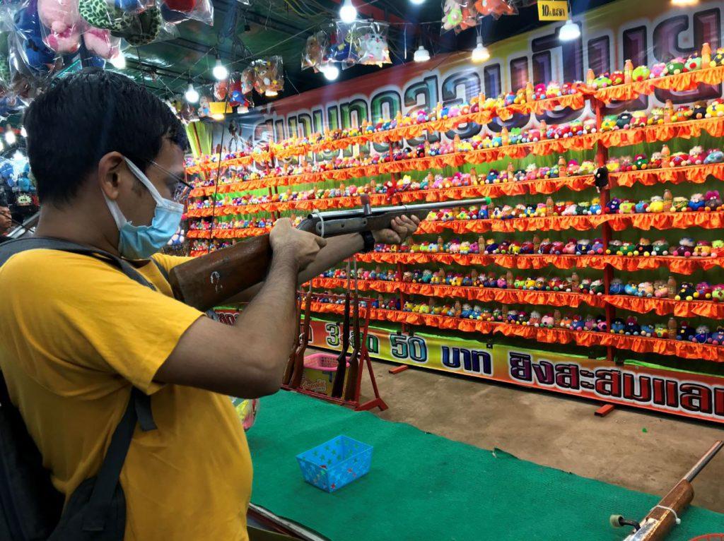 Local shooting games during Loi Krathong
