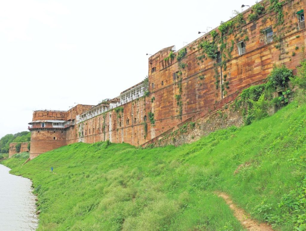 Outer walls of Allahabad Fort