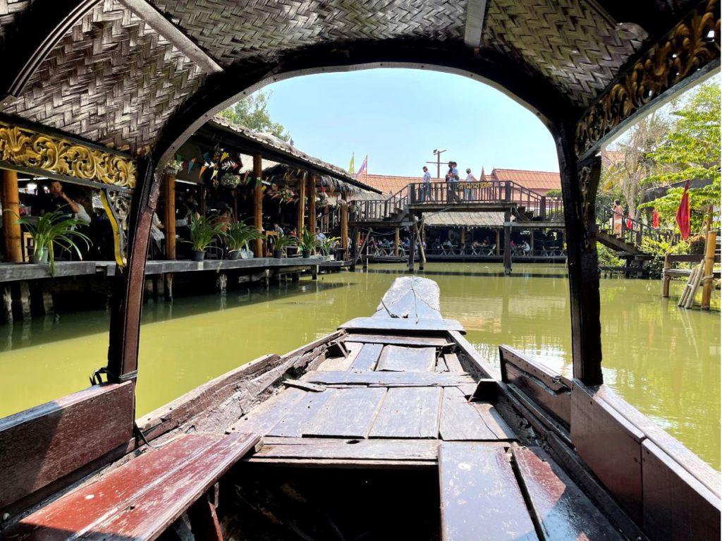 A boat ride around the floating market, Ayutthaya
