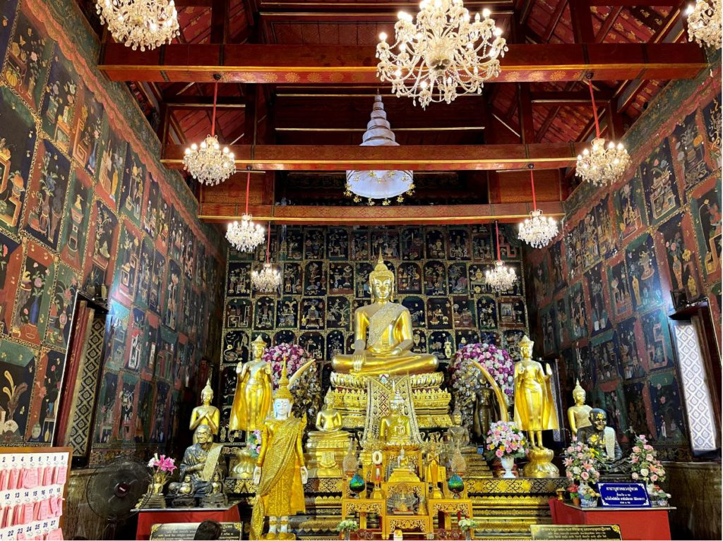 Another beautiful chamber inside Wat Phanan Choeng Worawihan, Ayutthaya