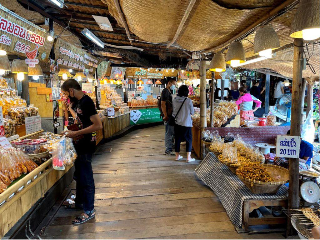 Food stalls inside the floating market, Ayutthaya