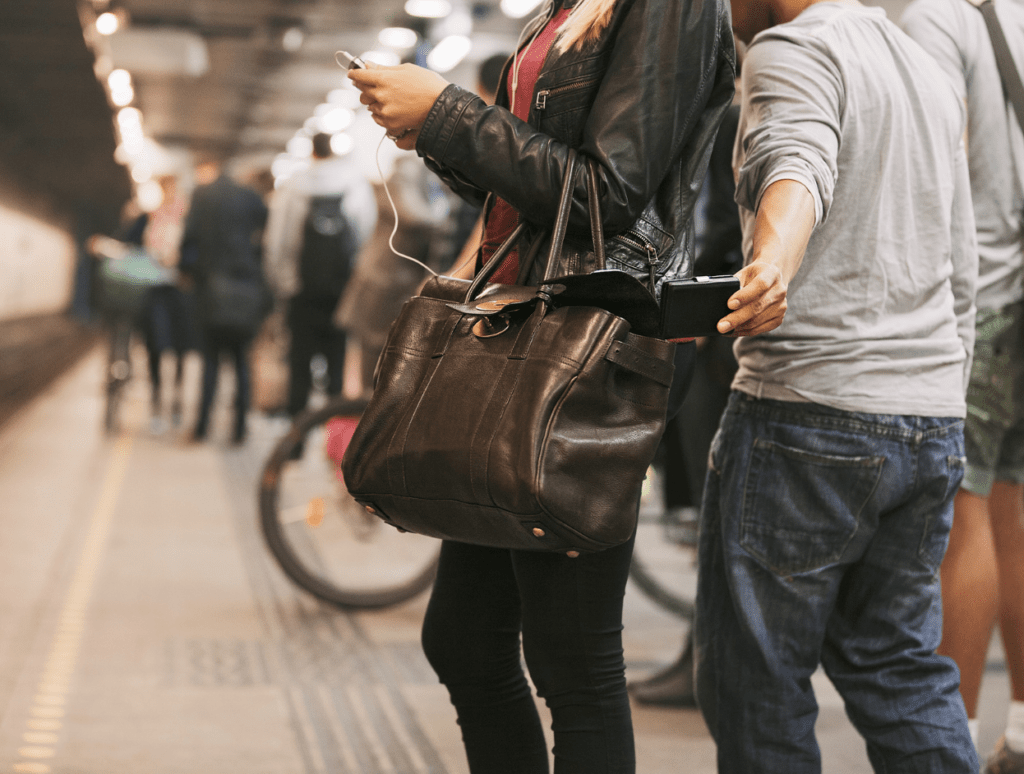 Pickpocketing in Italy